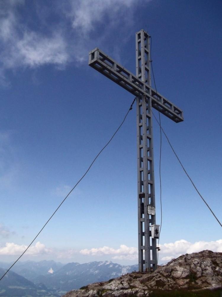 Größer als viele andere Gipfelkreuze am Großen Pyhrgas.