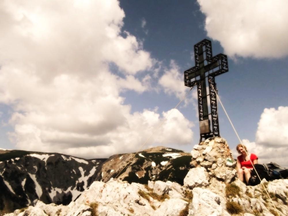 Vom Krummbachstein blickt man in weite Ferne und genießt in aller Ruhe.