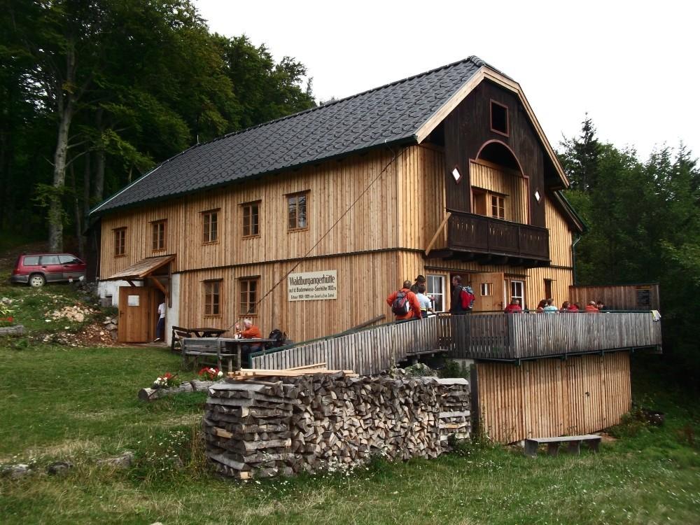 Die für schmackhafte Schöberl bekannte Waldburgangerhütte.