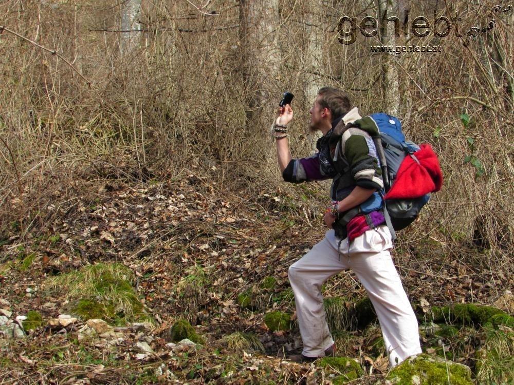 Die Schwalbensteinmauer im Pranzlgraben dient als Fotomotiv - auf der anderen Kamera.
