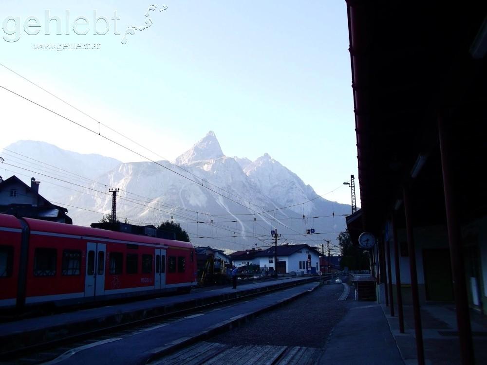 Netter Ausblick am Bahnhof Ehrwald, die Ehrwalder Sonn-Spitze.