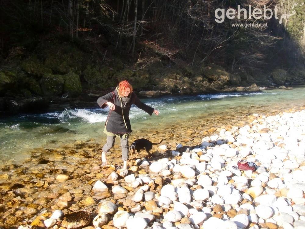 Alina ist ein eiskalter Fluss ziemlich egal.