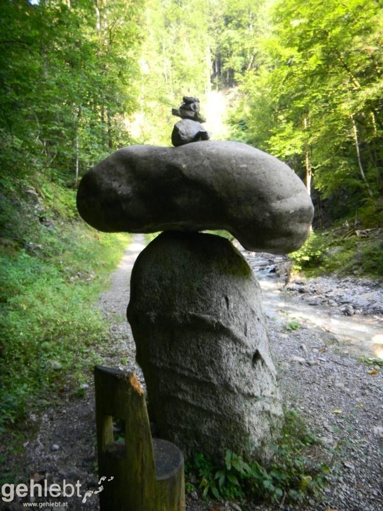 Augstenberg, Liechtenstein - Steinmann in der Meng-Schlucht