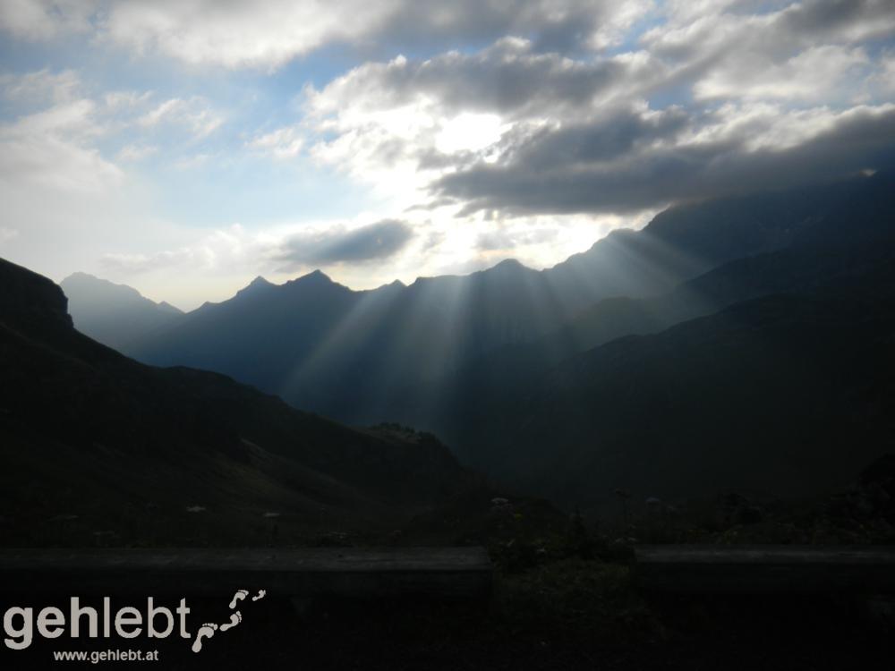 Naafkopf - die ersten Sonnenstrahlen über dem Rätikon