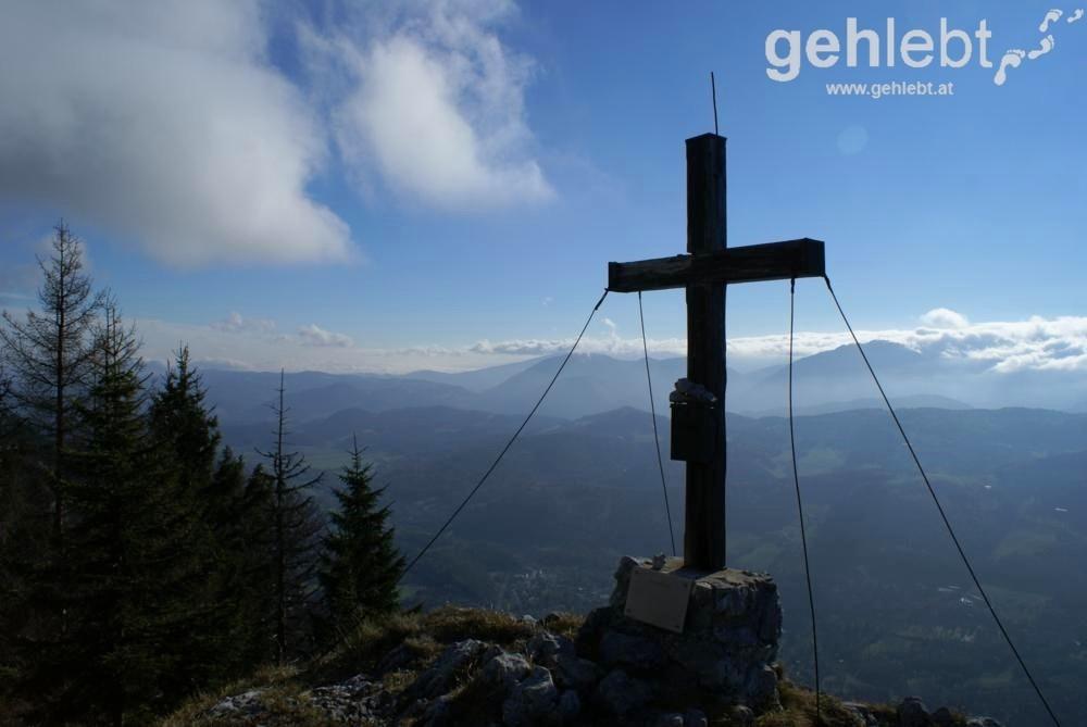 Auch der neumoderne Kyselak war am Gipfel vom Mittagstein.