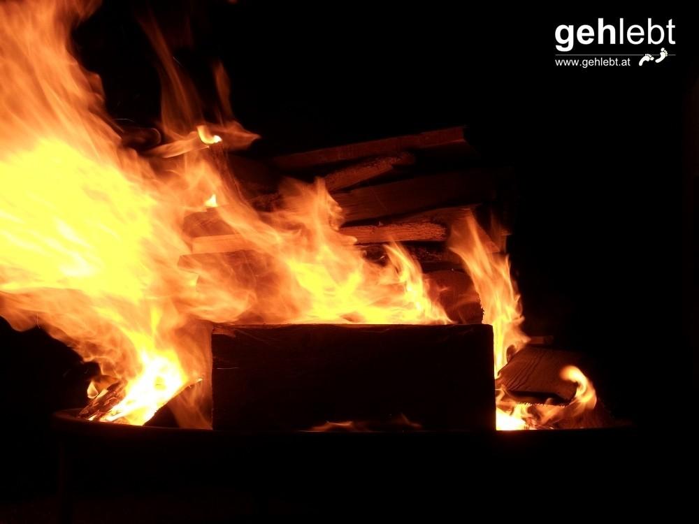 Kremsmünster bei Nacht - Feuer und Flamme