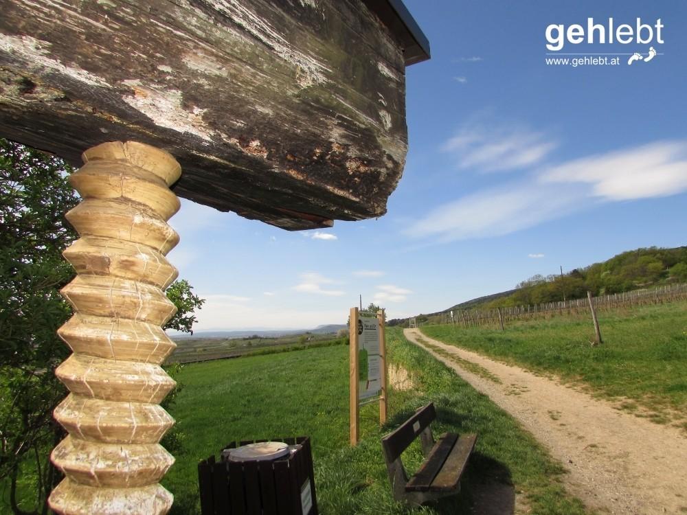 An der alten Weinpresse lässt es sich auch ohne Wein aushalten.