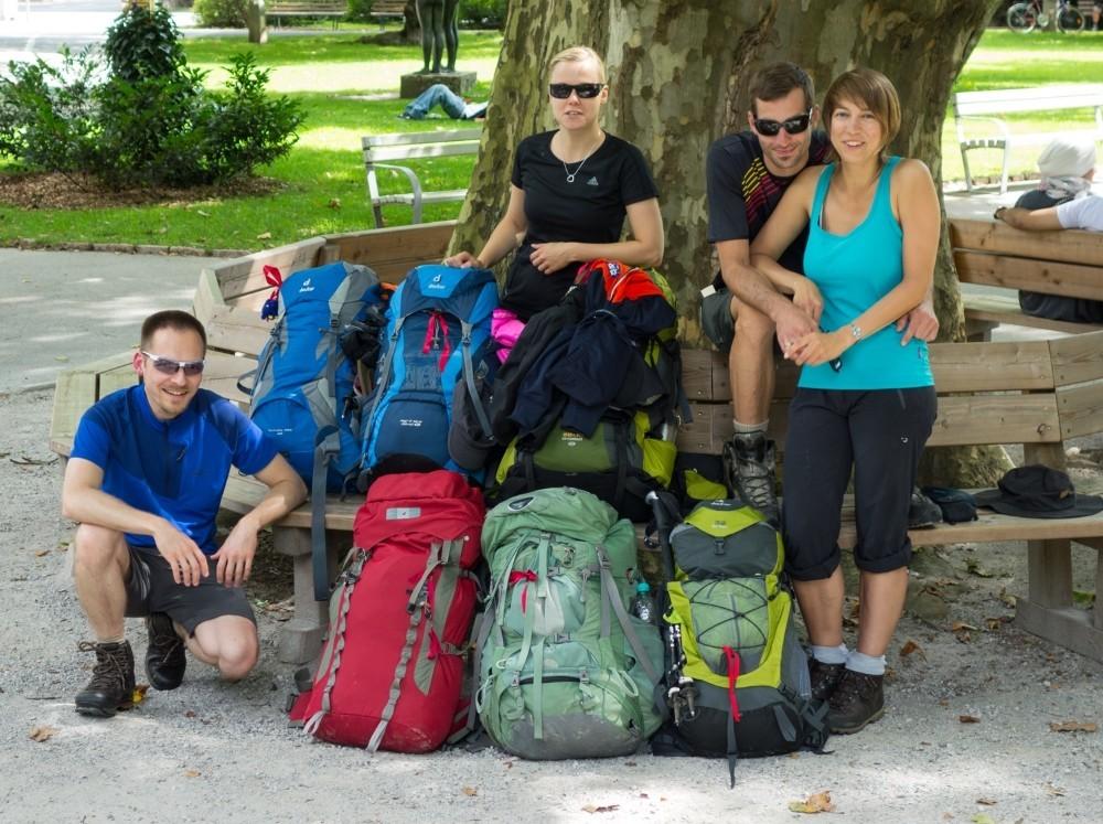 Jeden Sonntag im Juli und August starten um 10 Uhr die Alpenüberquerer im Salzburger Kurpark. (Foto: Christof Herrmann)