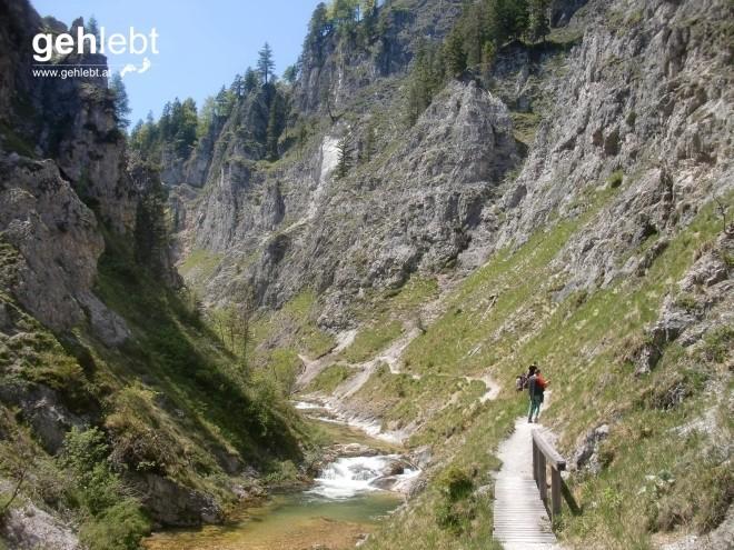 Im Grand Canyon Österreichs wird stets brav gewandert.