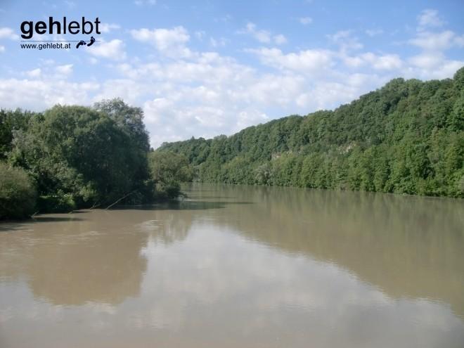 """""""So a Gatsch-Lockn."""" Bei Steyr-Münichholz überqueren wir die Enns und wandern nach Gleink."""