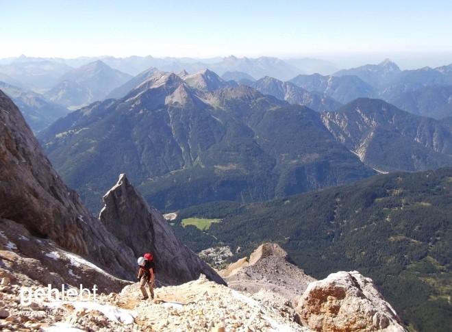 Die alpine Variante des Nordalpenweges an der Zugspitze bietet mit dem Stopselzieher einen A/B Klettersteig.