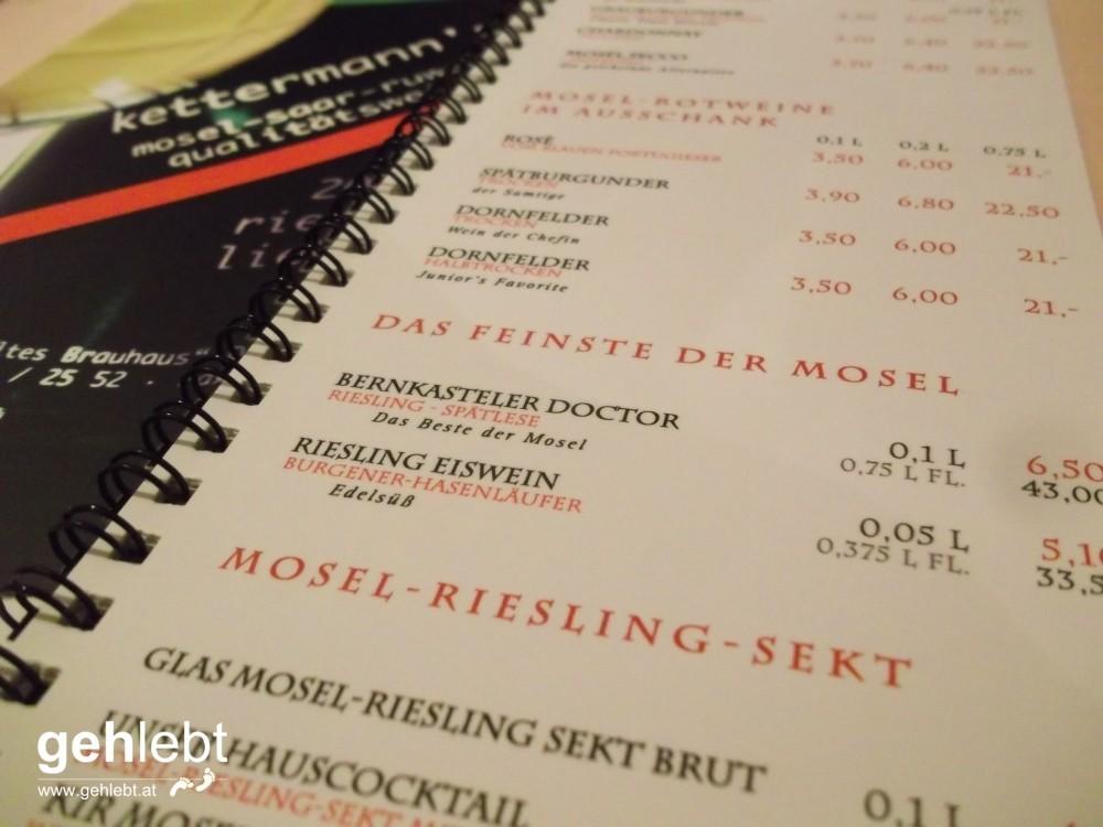 Im Alten Brauhaus wird Wein vom Doctorberg ausgeschenkt. Für die Gesundheit macht man doch alles.