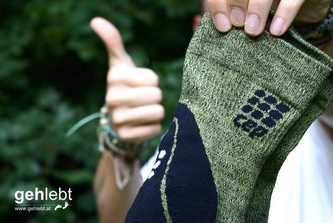Für die CEP Outdoor Mid-Cut Socks gibt's einen Daumen nach oben.
