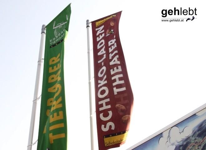 Willkommen in Riegersburg, der Heimat des Schoko-Laden Theaters und des Essbaren Tiergartens.