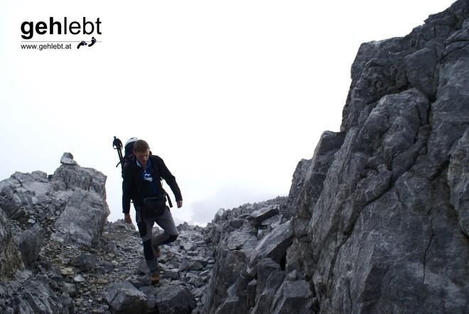 Einsam und allein unterwegs am Rand des Brandner Gletschers.
