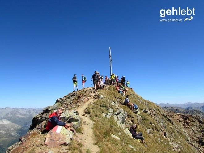 Die Freude auf der Rotwand lässt sich nicht unterdrücken - 11 Gipfel geschafft.
