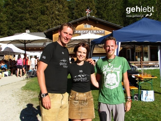 Danke an Günther und Ingrid für die tolle Organisation und die liebevolle Betreuung! (Ich bin der mit dem roten Kopf...)