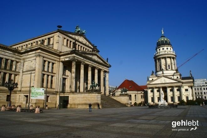 """Als """"schönster Platz"""" Berlins gilt der Gendarmenmarkt. Natürlich inklusive Kran."""