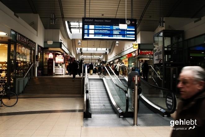 Sieben Stufen gilt es zu überwinden - oder auch nicht: Bahnhof Potsdam.