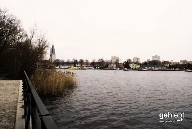 Hier sehen wir Floridsdorf an der Alten Donau. Äh, nein, ist dann doch noch Potsdam.