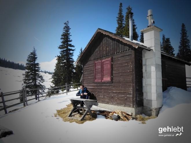 Aber vorher wird mal bei der kleinen Hütte am Wegesrand pausiert...