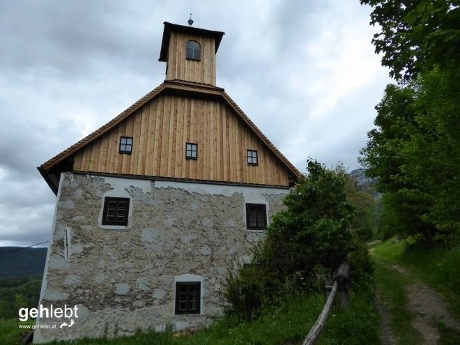 Das Huthaus war bis 1899 als Versammlungs- und Betstube für die Bergknappen gedacht.