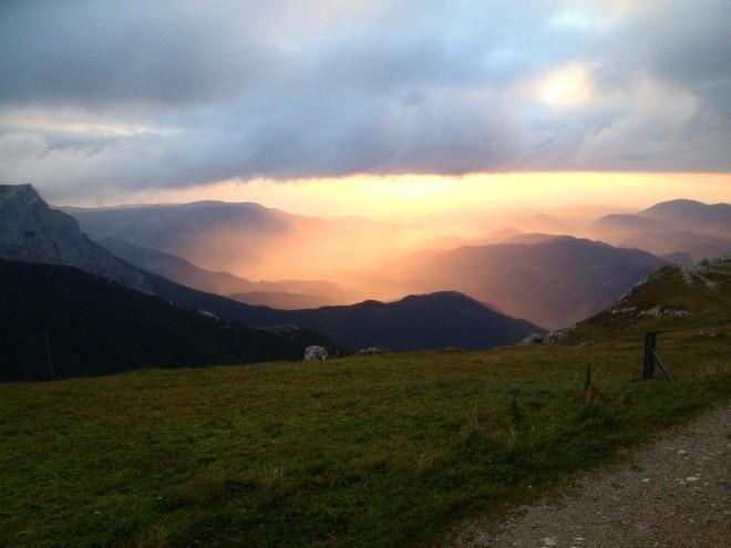 Sonnenaufgang am nächsten Morgen. (c): WIENER ALPEN/Lisa Kornfell